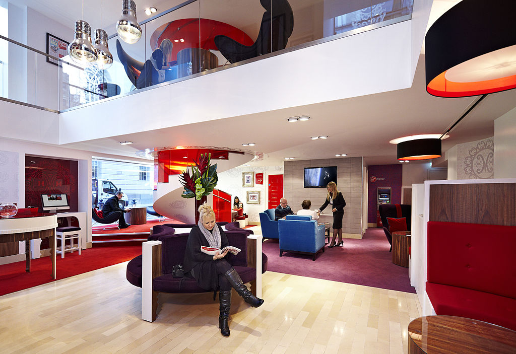 Virgin Money Manchester Lounge (Source: Wikipedia Commons)