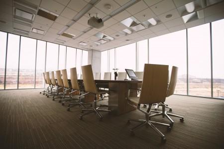 Klassischer Konferenzraum (Quelle: Pixabay)